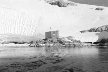 Orford Cliff refuge hut, 1957. (Photographer: James Madell; Archives ref: AD6/19/2/W3/1b)