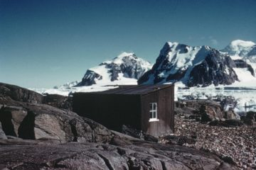 Refuge hut on Blaiklock Island, 1957. (Photographer: George Lamour; Archives ref: AD6/19/3/C/Y11)