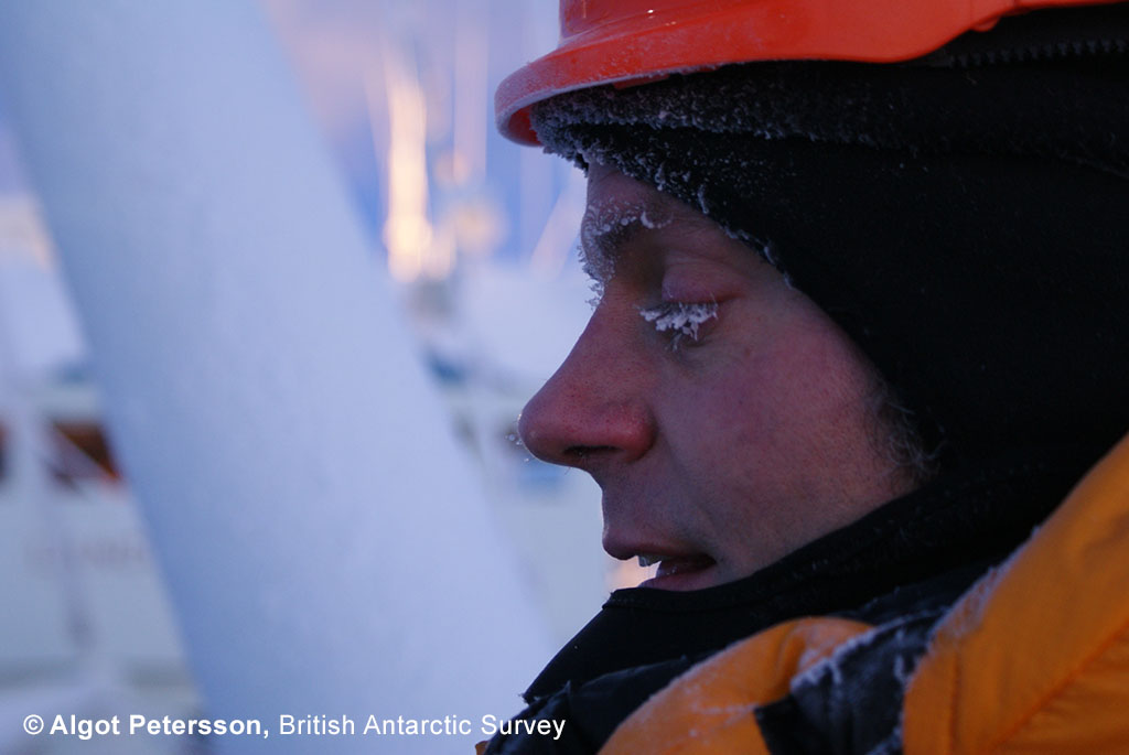 Markus Frey working in the extreme Arctic environment (Photo: Algot Petersson)
