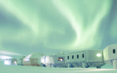 An aurora above the Halley 6 research station