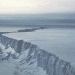 Rifting in Larsen B Ice Shelf before its breakup in 2001