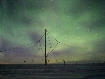 VLF_Mast_Aurora