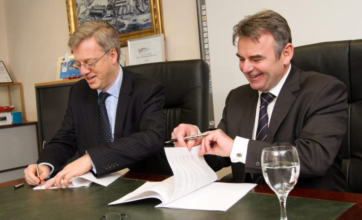 NERC Chief Operating Officer and Cammell Laird Chief Executive, John Syvret CBE sign new ship contract