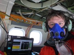 Tom Jordan flying on oxygen