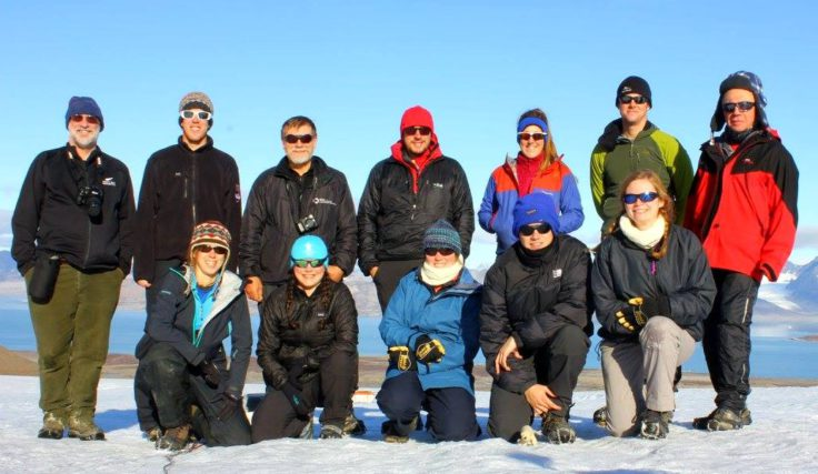 Team photo during the students' final day of glaciology in the Arctic (Anna Belcher)