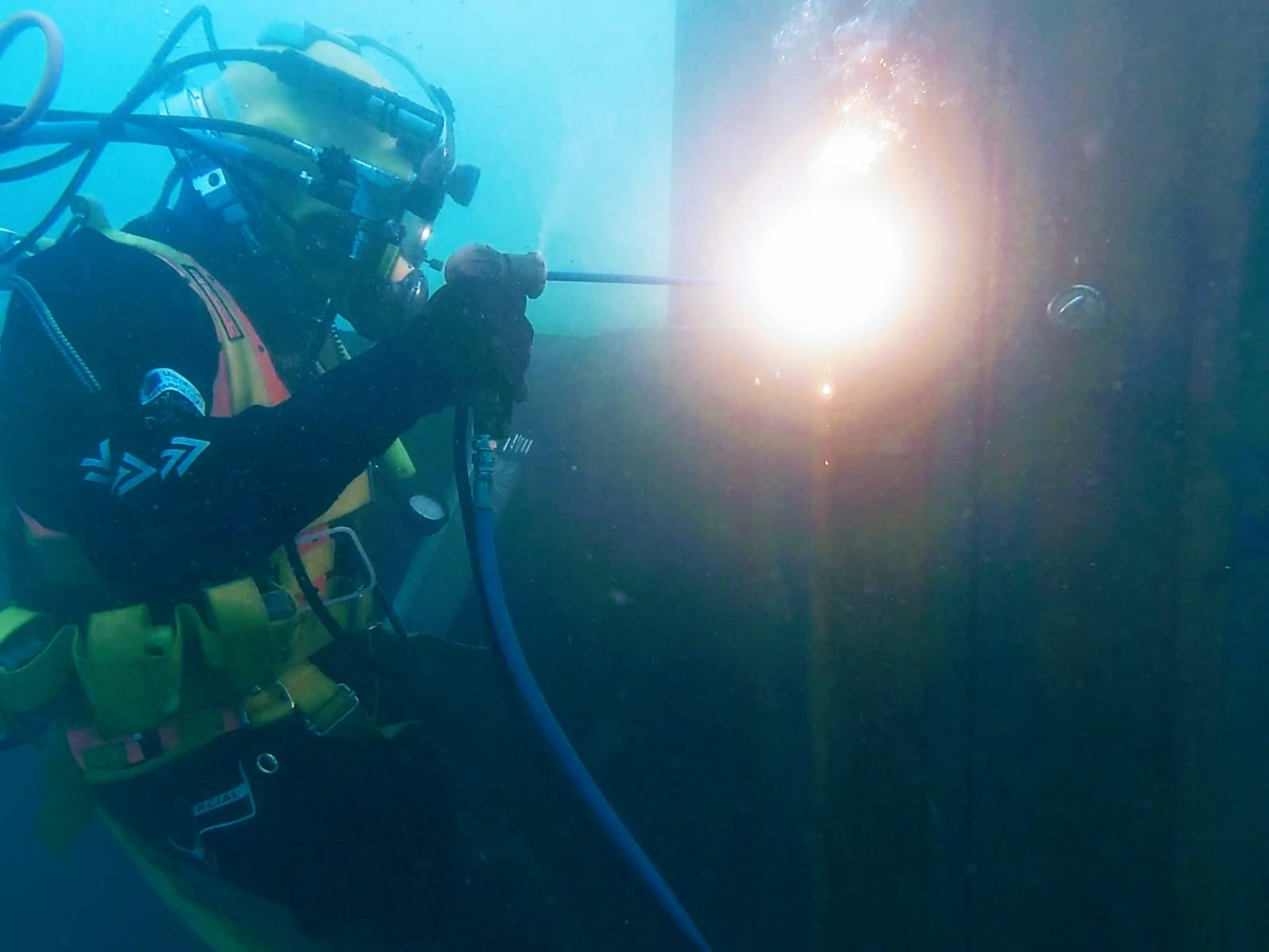 Diver Dave Wyatt Burning the Sheet Piles to Level off the Slipway (Credit: Tom Cameron)